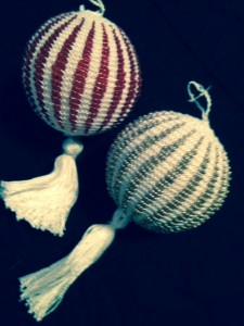 Christmas-ornaments-knitted-225x300